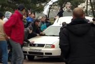 Người biểu tình thân Moscow và Kiev hỗn chiến