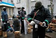 Nổ rung chuyển sân bay Donetsk