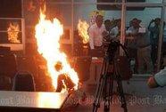 Thái Lan: Một phụ nữ tự thiêu tại cơ quan đối diện trụ sở chính phủ