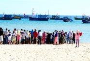 Tắm biển sau khi dự đám cưới, 1 phụ nữ chết đuối
