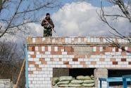 Ukraine cấm nam giới Nga, Moscow nổi giận