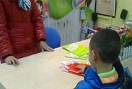 """Trung Quốc: Bé 6 tuổi mua """"siêu xe"""" tặng bạn gái"""
