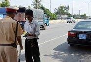 Nhiều ô tô biển số xanh vi phạm trật tự an toàn giao thông