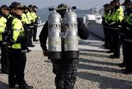 Thảm họa chìm phà Sewol: Đau lòng tìm thấy thi thể trẻ em