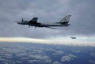 Nga tung máy bay chiến lược tuần tra dọc bờ biển California