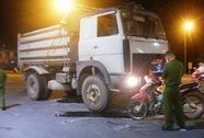 Xe tải đâm xe máy, 1 phụ nữ chết tại chỗ