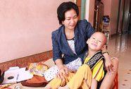Bé 6 tuổi bị bại não và ung thư hạch