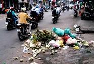 Đống rác giữa đường