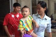 Vụ bé trai 2 tuổi bị bỏ trên taxi: Nhiều người xin nhận làm con nuôi