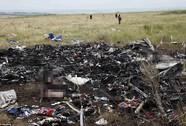"""Vụ máy bay Malaysia rơi: Quốc tế tức giận, """"chĩa mũi dùi"""" vào Nga"""