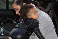 Kim Kardashian bác tin bỏ quên con gái ở khách sạn