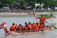 Quận 4 áp đảo ở Giải Đua thuyền truyền thống