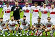 Nhận lương ở Đức, chống đội Đức