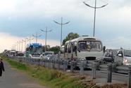 Kẹt xe 5 km trên đường cao tốc TP HCM - Trung Lương