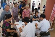 Khám chữa bệnh miễn phí cho người cao tuổi