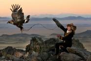 Nữ thợ săn đại bàng dũng mãnh