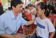 Cam kết đủ thuốc điều trị cho trẻ có HIV