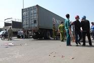 Về quê ăn Tết, bé gái chết dưới bánh xe container