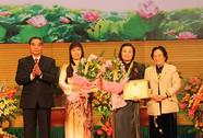Trao Giải thưởng Kovaleskaia 2013 cho 2 nhà khoa học nữ