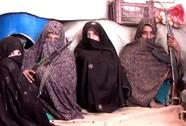 """Trả thù cho con, bà mẹ Aghanistan """"bắn chết 25 tay súng Taliban"""""""