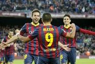 Alexis Sanchez lập hat-trick, Barcelona trở lại đầu bảng