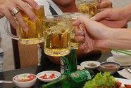 Cấm bia vỉa hè: Vướng đủ thứ