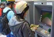 Máy ATM hết tiền: Phạt nặng