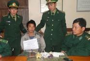 Bắt kẻ vận chuyển 20 bánh heroin từ Lào về Việt Nam