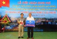Tặng 1 tỉ đồng cho ngư dân Khánh Hòa