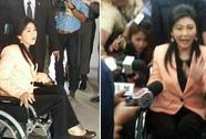 Bà Yingluck ngồi xe lăn họp nội các
