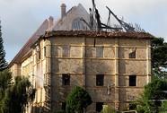 """Bà hỏa """"viếng"""" tòa nhà cổ ở Đà Lạt"""