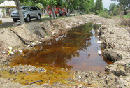 500 tấn hóa chất chảy vào kênh, vẫn cứ bàn!