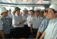 Thủ tướng thị sát tàu kiểm ngư hiện đại