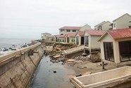 Sóng biển đe dọa dân ven bờ