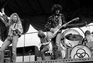 Ban nhạc rock huyền thoại Led Zeppelin bị tố đạo nhạc