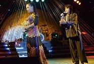 Quách Ngọc Ngoan song ca với Phi Nhung