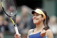 """Thắng trận """"mỹ nhân đại chiến"""", Ivanovic tranh chung kết với Serena"""
