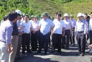 """Bộ trưởng Đinh La Thăng: """"Đường thế này mà thu tiền của dân à?"""""""