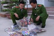 Thu giữ hàng trăm gói pháo Trung Quốc chứa chất độc hại