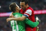 Người hùng Fabianski đưa Arsenal vào chung kết FA Cup