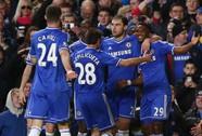 """""""Báo đen"""" Eto'o lập hat-trick, Man United tan tác tại Stamford Bridge"""
