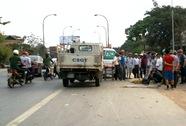 2 xe máy cùng tông vào xe rơ-moóc, 6 người thương vong