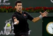 Federer thắng nhàn, Djokovic ngược dòng vào tứ kết