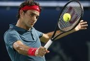 Federer thắng sốc, Djokovic thành cựu vô địch