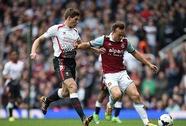 Gerrard lập cú đúp, Liverpool tái chiếm ngôi đầu