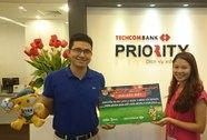 """Techcombank trao giải đặc biệt chương trình """"Quẹt thẻ liền tay, bay xem FIFA World Cup™"""""""