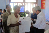 Hỗ trợ ngư dân Lý Sơn bị nạn ở Hoàng Sa