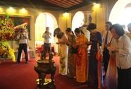 Dâng hoa tượng đài Bác Hồ, Bác Tôn và tượng đài Công nhân