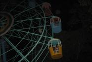 Cúp điện, hàng chục trẻ em bị treo lơ lửng trên đu quay