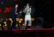 """Bình Minh và Hoài Linh""""quậy tưng"""", Noo Phước Thịnh đón """"fan"""" Đài Loan"""